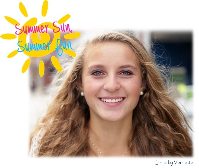 Girl smilng
